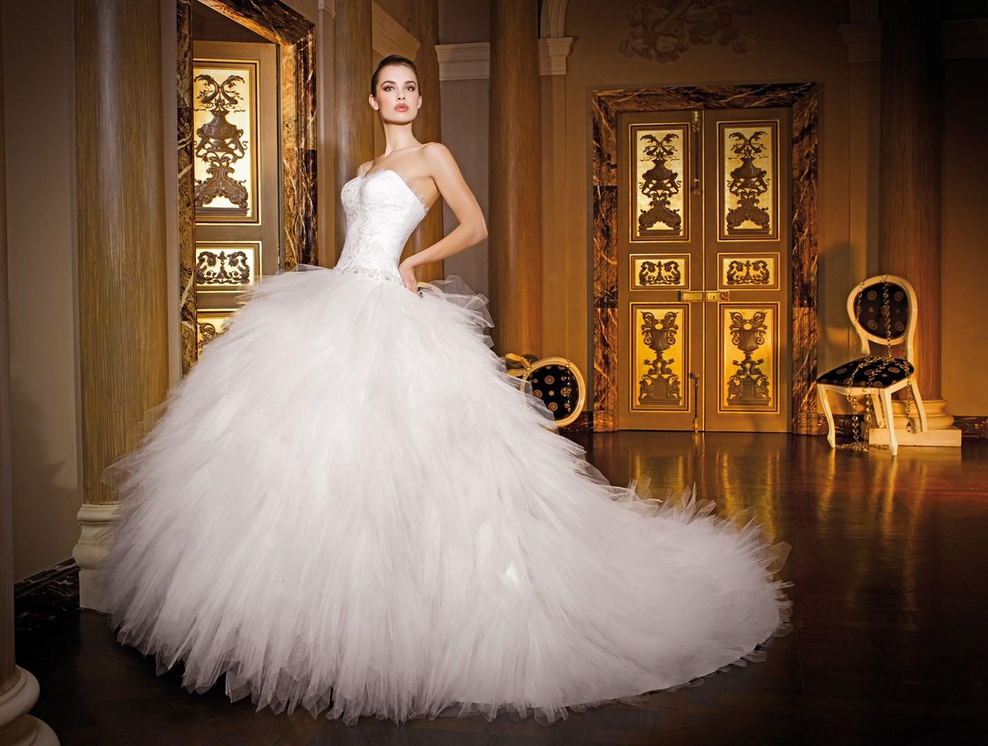 Brautkleider und Herrenanzügebei Brilliant Hochzeitsmoden