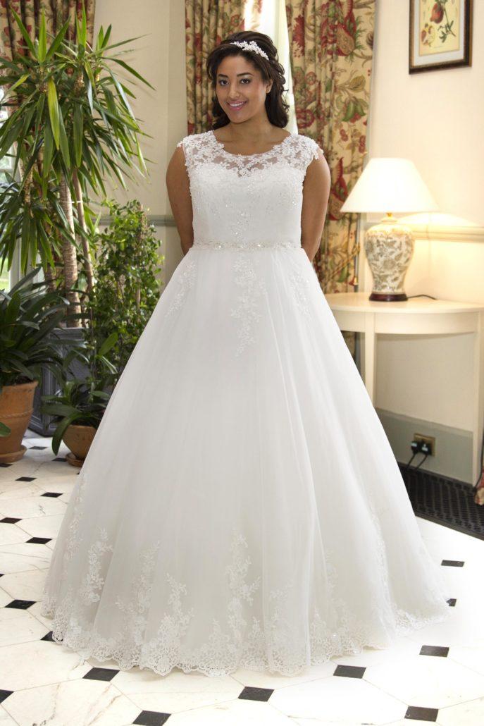 Xxl Brautkleider Bei Brilliant Hochzeitsmoden